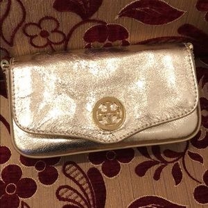 Tory Burch Bags - Tory burch small crossbag (from sister's closet)